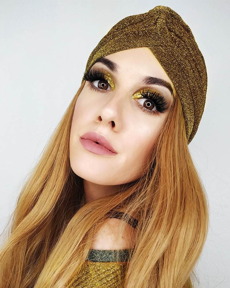 model Sara Schmidt