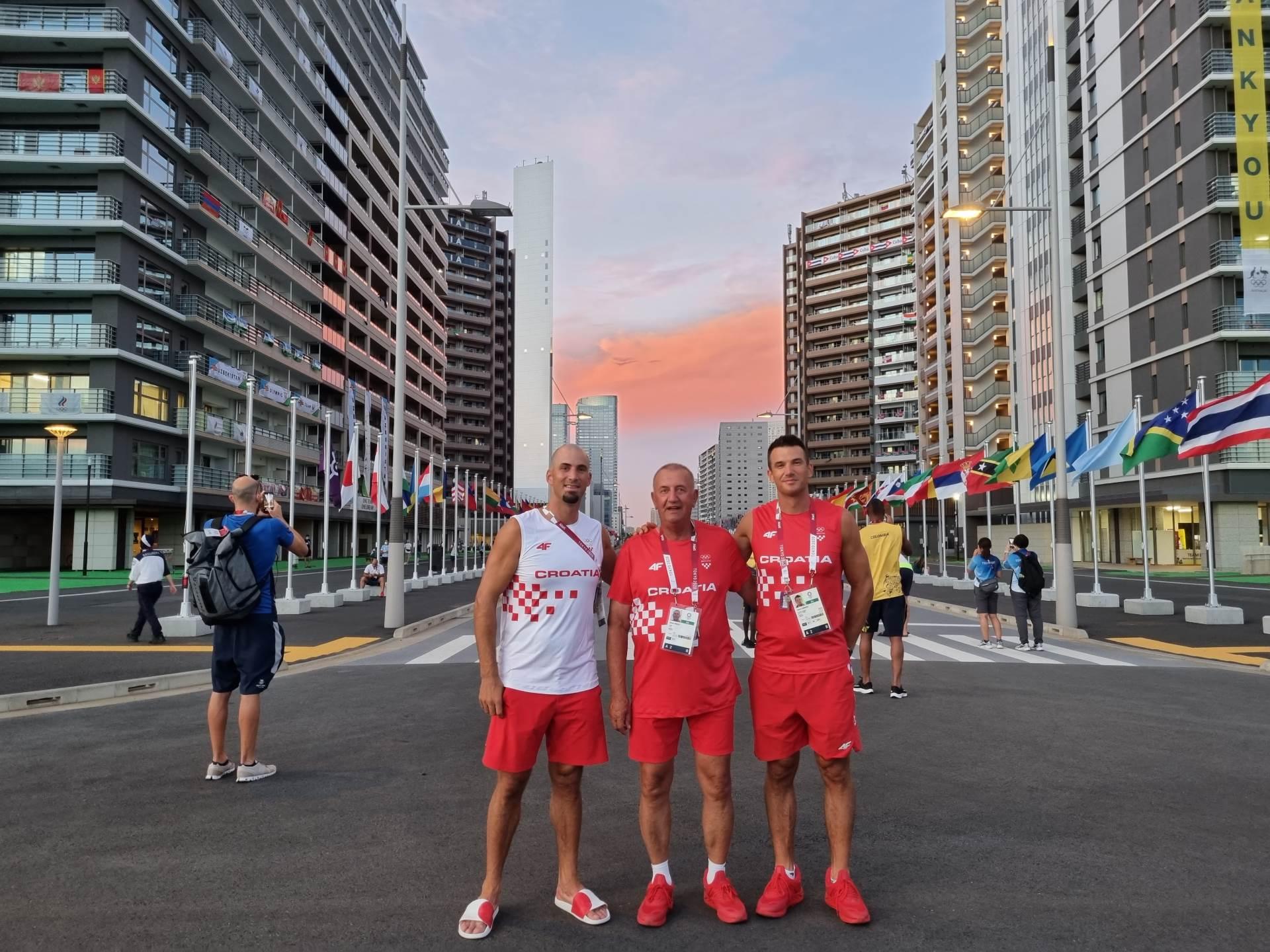 braca sinkovic u olimpijskom selu