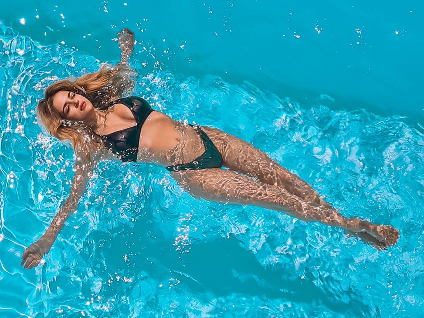 Ivana Lovric u bazenu