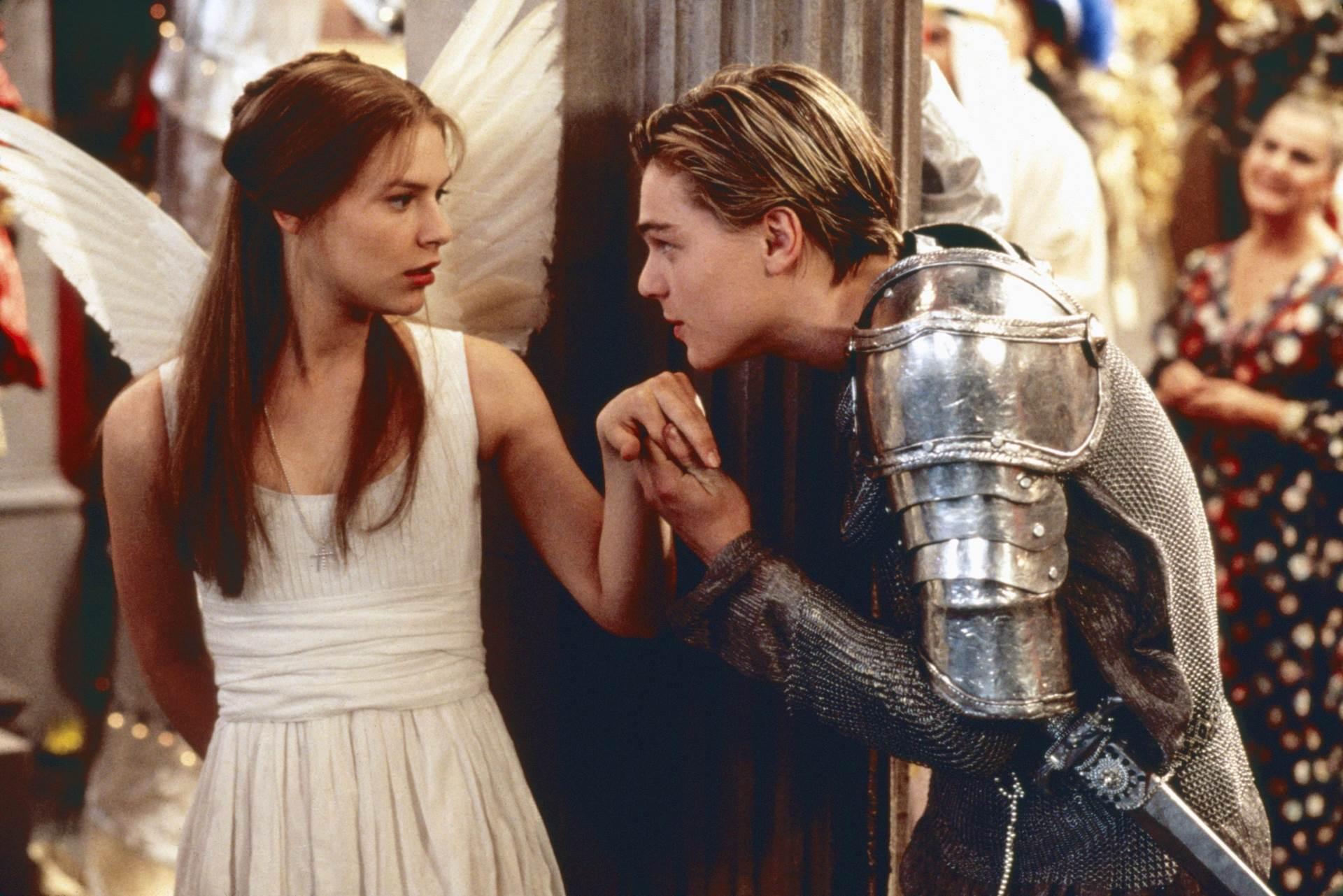 Leonardo DiCaprio i Claire Danes u sceni iz filma Romeo + Julia
