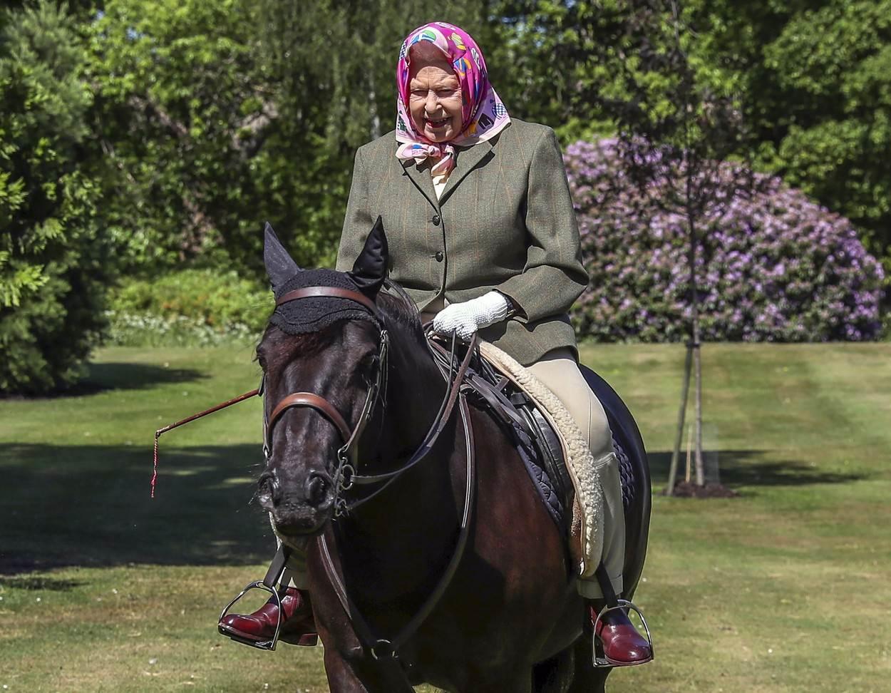 Kraljica voli uživati u samoći sa svojim životinjama