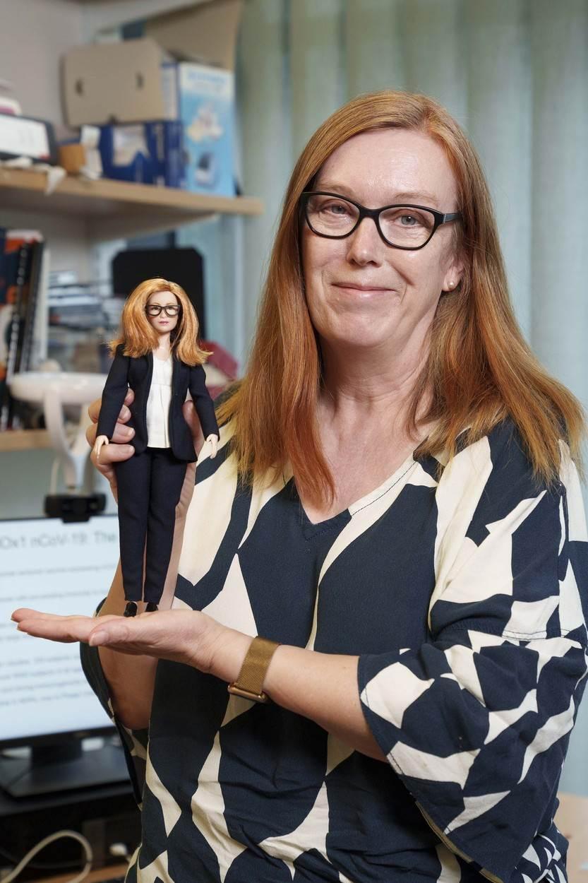 Sarah Gilbert i njezina Barbie
