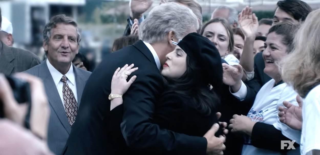 Beanie Feldstein i Clive Owen kao Monica Lewinsky i Bill Clinton