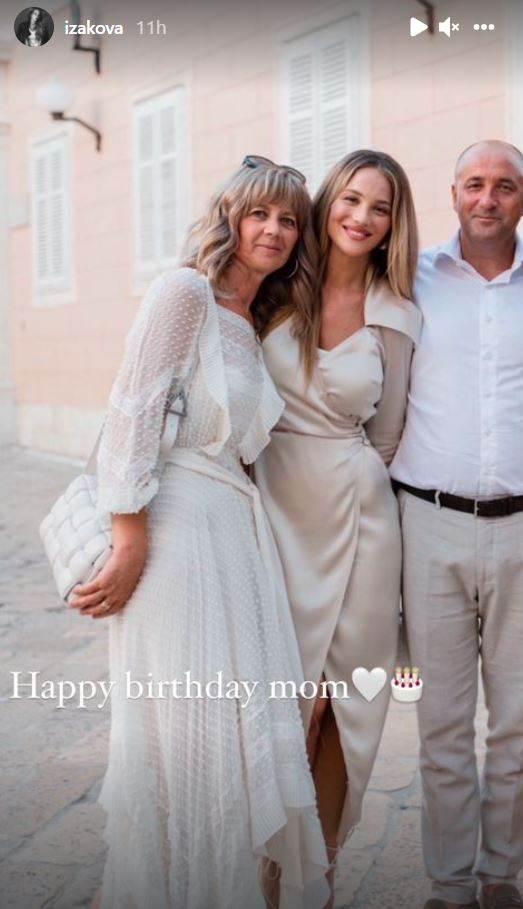 Izabel Kovačić s roditeljima