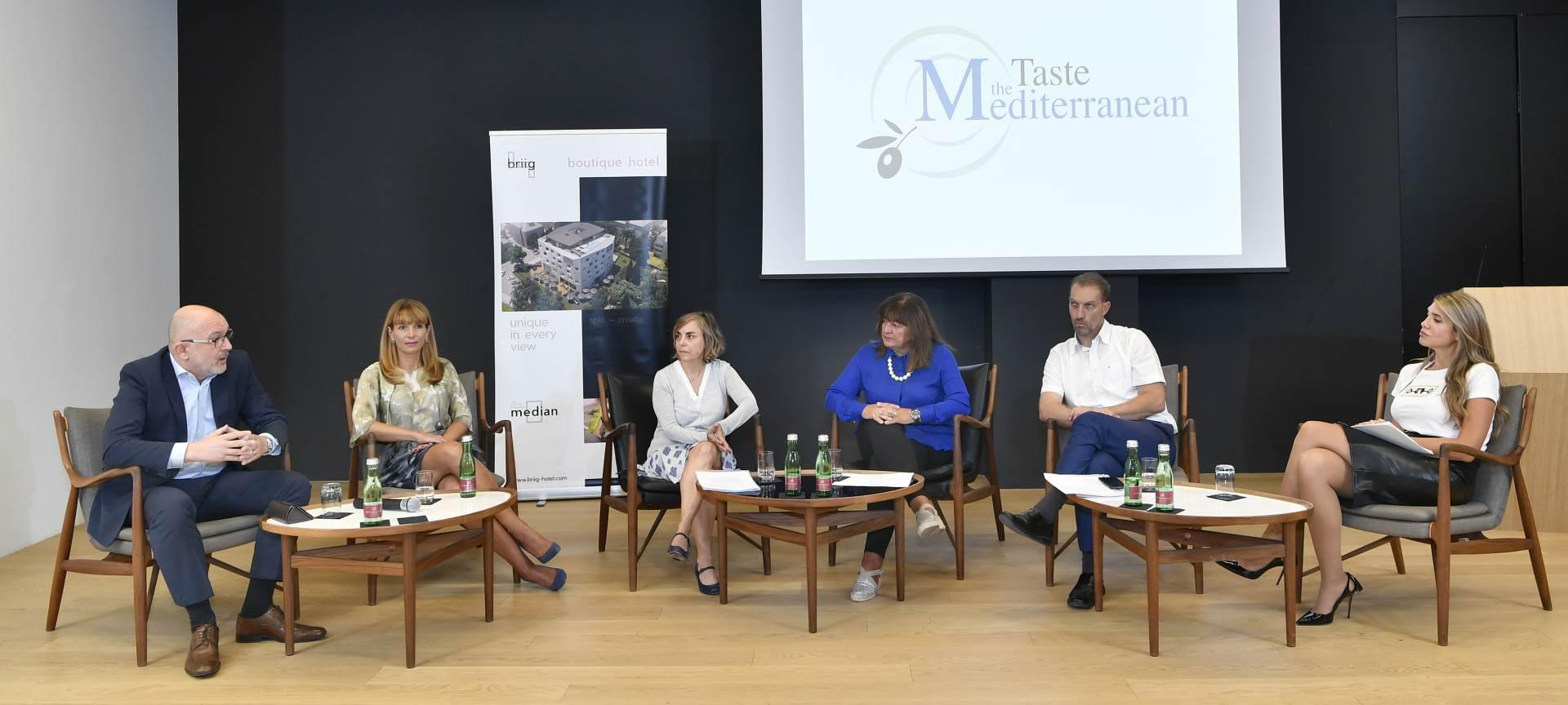 Program festivala predstavili su Dario Mamić, Ana Mazo Martinez, Alijana Vukšić, Ingrid Badurina Danielsson, Joško Stella i voditeljica Mirta Šurjak